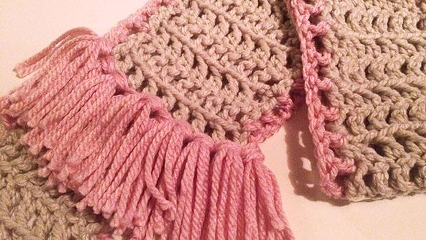 Sjaal haken met hekpatroon en kwastjes?